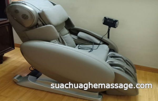 Người bán ghế massage mới khuyên không mua ghế cũ